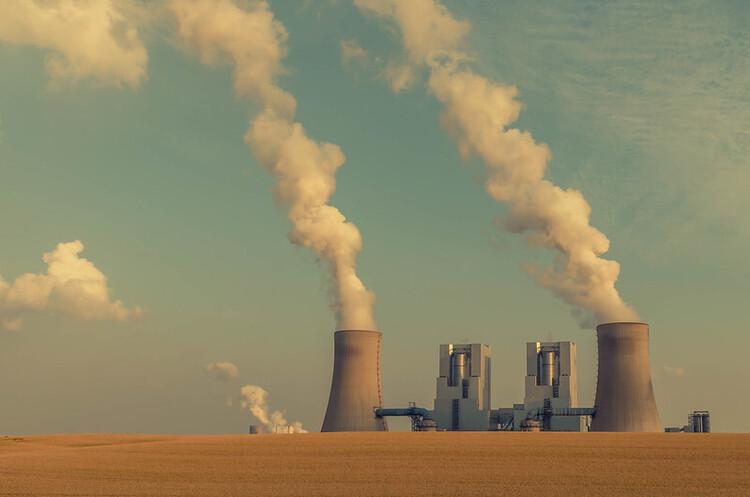 По мірі відновлення світу після коронакризи викиди вуглецю знову різко збільшуються