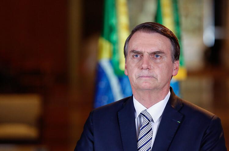 Після рекордних смертей від COVID-19 Болсонару сказав бразильцям припинити «скиглити»