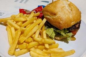Людство викидає майже мільярд тонн їжі щороку – звіт ООН