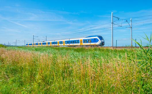 «Укрзалізниця» здійснить п'ять спецрейсів з Івано-Франківської та Чернівецької областей для вивезення пасажирів