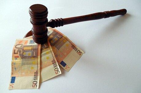 Вихід під заставу в «корупційних» справах: як працює зміна запобіжного заходу