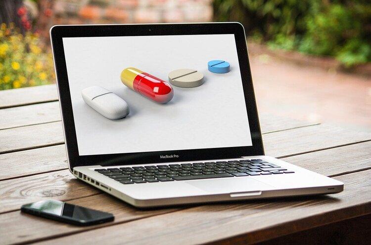 Завантажуй українське: міцний сон без наркотиків, замовлення ліків, спілкування з доктором онлайн, запис до лікаря без черг