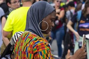 Goldman Sachs інвестує $10 млрд в компанії, що допомагають темношкірим жінкам
