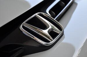 Через дефіцит чіпів та негоду Honda та Toyota призупинять роботу своїх заводів в Північній Америці