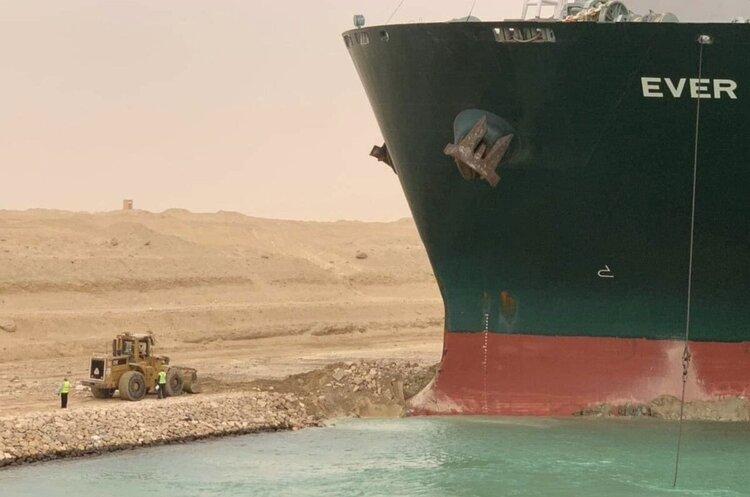 Контейнерна криза: блокування Суецького каналу обходиться у $9,6 млрд в день