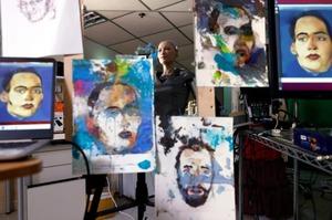 Картину, написану людиноподібним роботом Софією, продали на аукціоні за $700 000 (ВІДЕО)