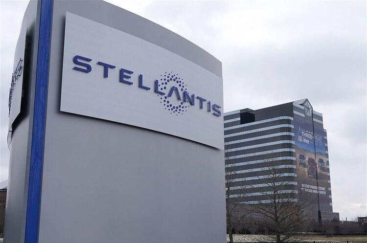 Stellantis тимчасово закриває п'ять заводів у Північній Америці через дефіцит чіпів