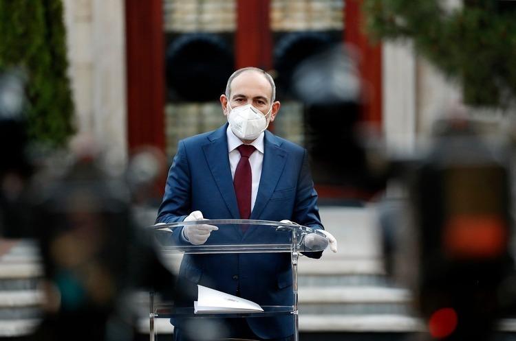 Прем'єр-міністр Вірменії подасть у відставку для проведення виборів
