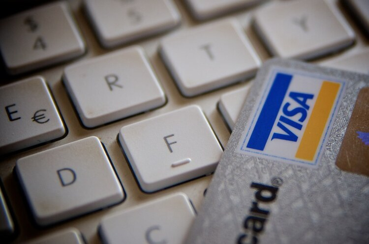 Visa дозволить використання криптовалюти для платежів – Reuters