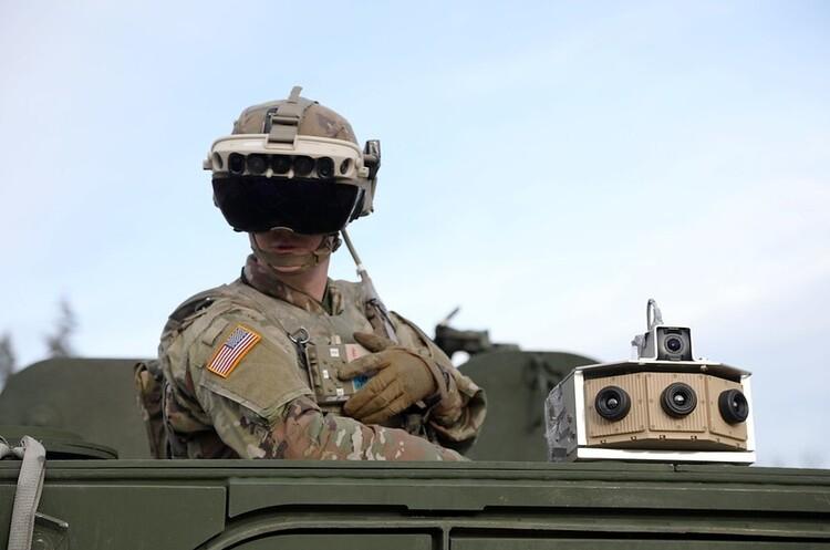 Microsoft виграла контракт на поставку армії США окулярів доповненої реальності на $22 млрд