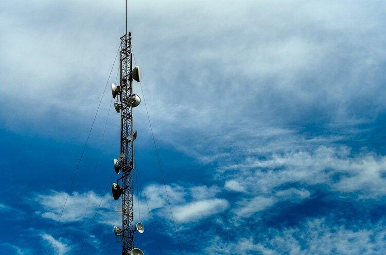 Телеком-індустрія в цифрах: яким є середній чек у мобільних операторів, інтернет-провайдерів і до чого тут Ілон Маск