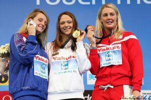 Білоруська чемпіонка виставила на аукціон свою золоту медаль заради підтримки протестів