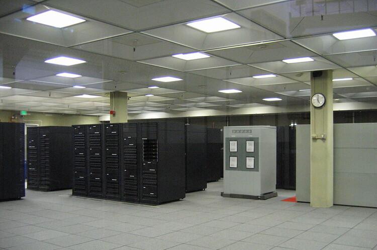 США внесли до чорного списку сім китайських компаній, що працюють в галузі суперкомп'ютерів