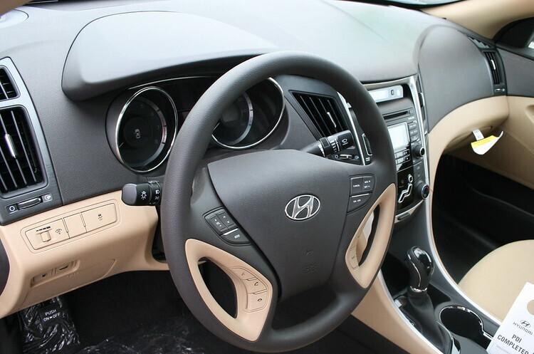 Hyundai Motor призупиняє виробництво в Південній Кореї через нестачу чипів