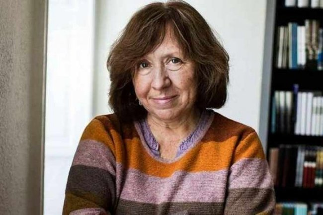 Нобелівська лауреатка Алексієвич пише книгу про протести проти Лукашенка