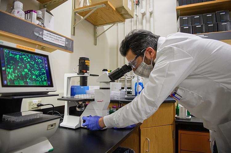 Вчені знайшли причину повільного і складного одужання після COVID-19