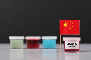 Китай розглядає можливість змішування різних вакцин через низьку ефективність деяких з них