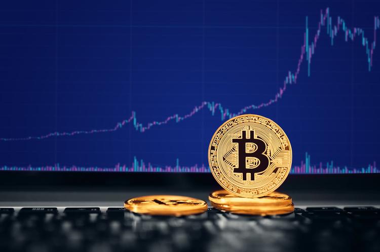 Біткойн торгується вище $64 000 в очікуванні розміщення акцій криптобіржі Coinbase