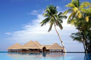 Мальдіви пропонуватимуть туристам вакцинацію проти COVID-19