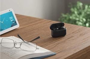 Amazon представила бездротові навушники з шумозаглушенням