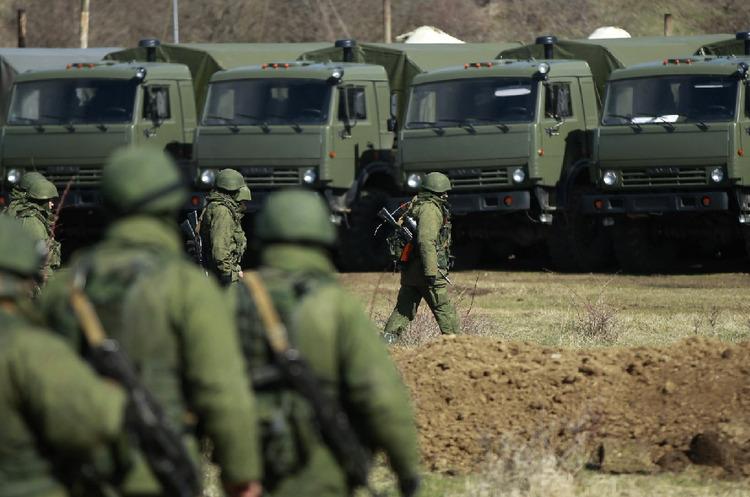 Игры Путина: топ-5 версий стягивания войск РФ к Украине