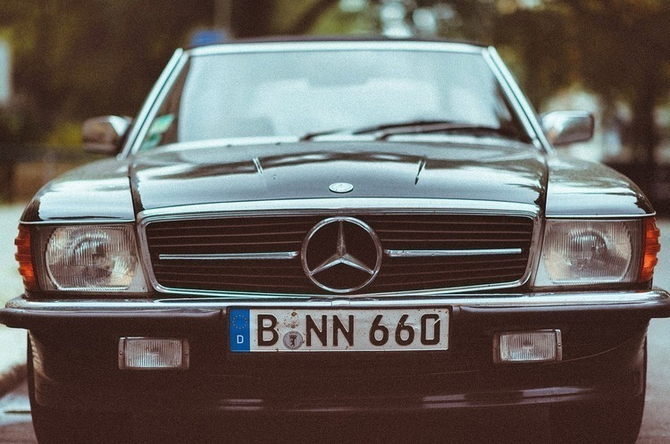 Рада ухвалила закон про пільгове розмитнення авто на єврономерах