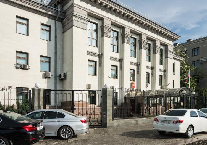 Україна у відповідь на дії РФ вишле старшого дипломата російського посольства