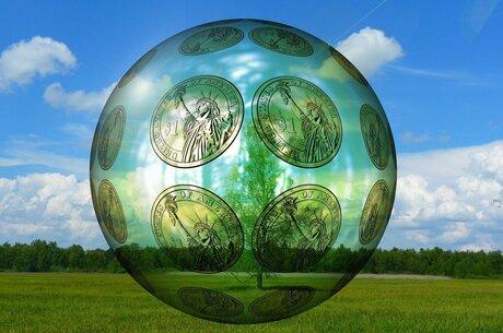 Акценти тижня: провал боротьби з відмиванням грошей, двоїста суть американських санкцій та екотренди як новий «якір» для великого бізнесу