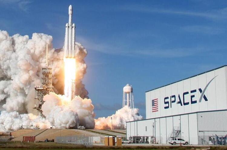 Держкосмос заплатить SpaceX майже $2 млн за запуск українського супутника