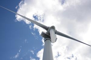 Китай запланував довести генерацію сонячної і вітрової енергії до 11% в 2021 році