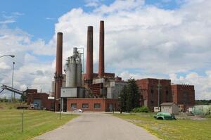 Компанія в США викупила вугільну електростанцію для майнінгу біткойнів, чим викликала протест екологів