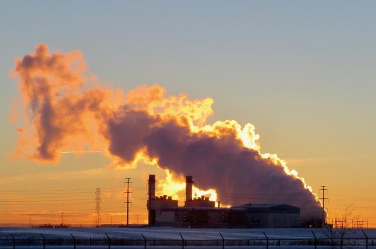 МЕА попередило про стрімке збільшення світових викидів CO2, пов'язаних з енергетикою
