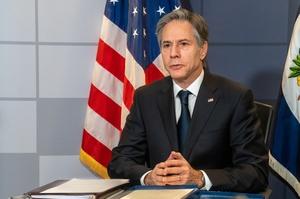 Держсекретар США стурбований відставанням США від Китаю в галузі відновлюваної енергії