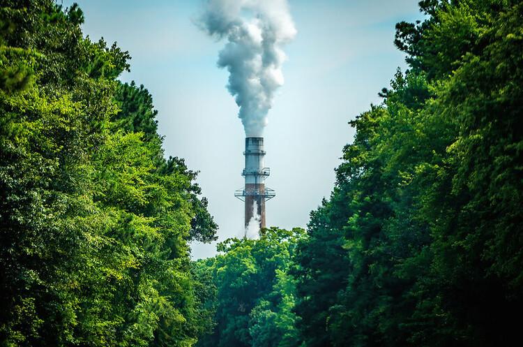ЄС уклав попередню угоду щодо скорочення викидів парникових газів на 55% до 2030 року