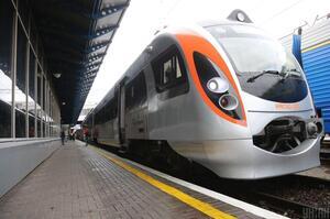 «Укрзалізниця» у 2021 році планує збільшити перевезення вантажів на 1,7%