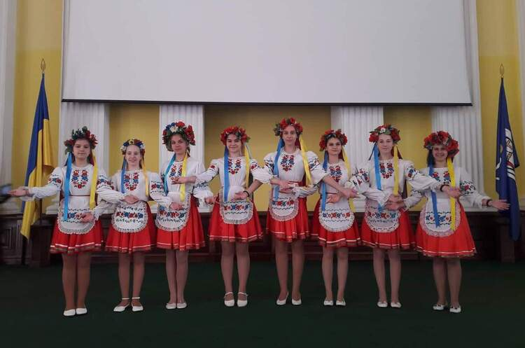 «Київські соловейки»: дорогою милосердя та успіху