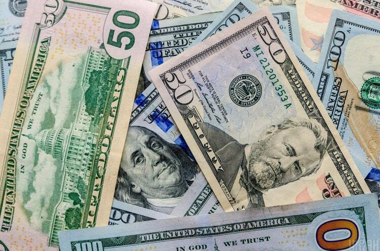 Українці з початку квітня продали на $422 млн більше валюти, ніж купили – Данилишин