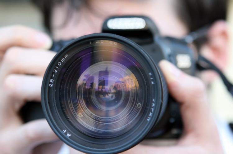 Задний план TikTok и Instagram: как сделать фото и не нарушить закон
