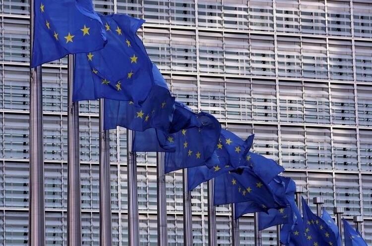 Європарламент може відключити Росію від Swift, якщо вона не припинить агресію щодо України