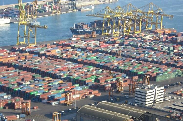 У березні дефіцит торгового балансу США досяг рекорду