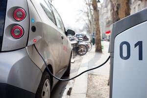 Світові продажі електромобілів виросли на 40% в 2020 році – МЕА