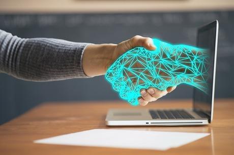 Об'єднані ідеєю: які технологічні тренди – найактуальніші в Україні та світі