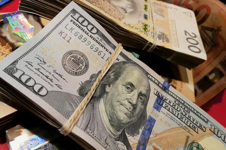 Платити чи «забити»: коли боржники за валютними кредитами сплатять рахунки