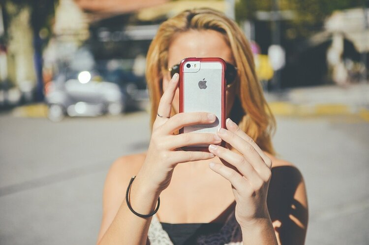 Світовий ринок смартфонів стрімко відновлюється – експерти