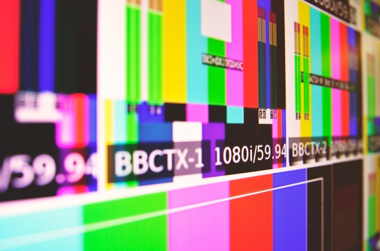 StarLightMedia відкликає права на ретрансляцію своїх телеканалів у «Ланет»