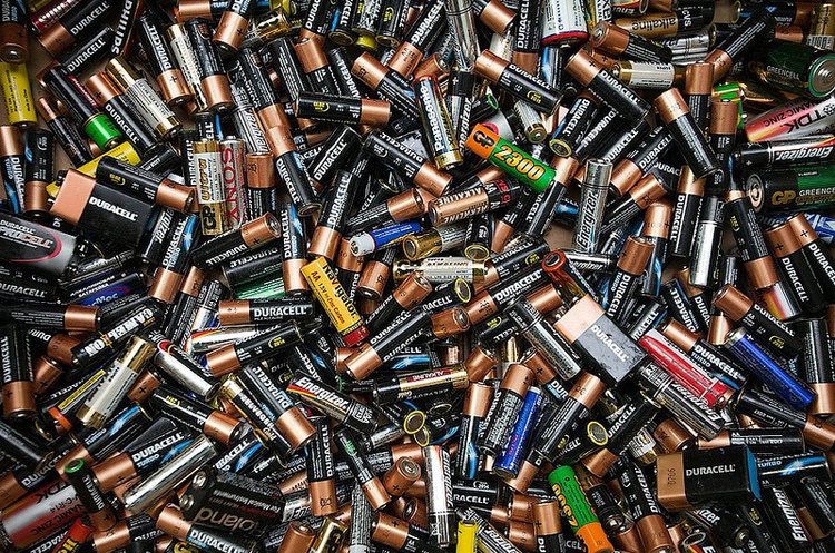Вчені придумали спосіб переробки батарейок без дроблення і плавлення