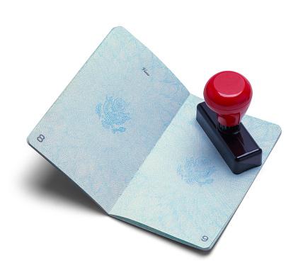 За два роки жителям ОРДЛО у спрощеному порядку видали понад 527 000 російських паспортів