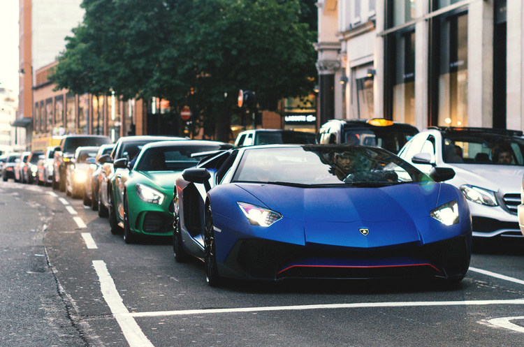 Продажі нових автомобілів у Британії виросли на понад 3000% в порівнянні з торішнім мінімумом
