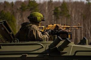 Росія не відвела війська та техніку від українського кордону, як обіцяла – WSJ