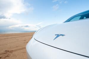 Tesla пригальмовує покупку землі в Шанхаї через напруженість між США і Китаєм – Reuters